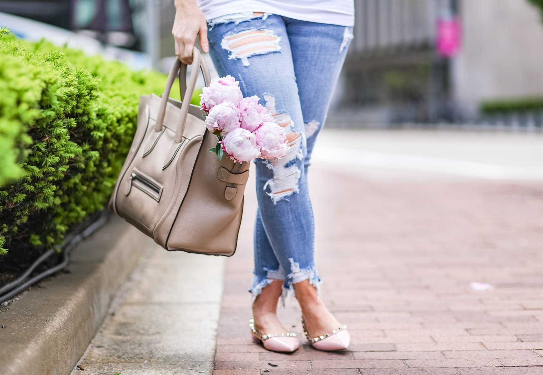Ashley Pletcher - Celine bag - ripped jeans - flowers - peonies - fashion blogger - maternity - mom blog